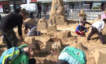 Náměstí oživily sochy z písku