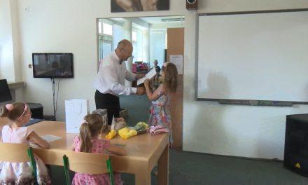 V mateřských a základních školách bude více dětí