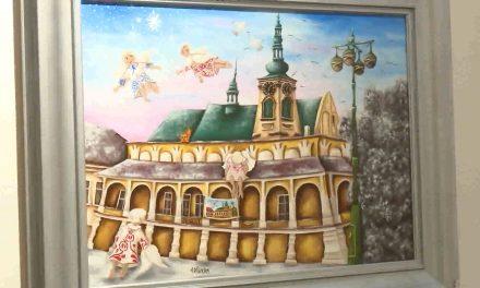 Alexandra Dětinská prezentuje své obrazy hradů a zámků