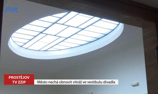 Město nechá obnovit vitráž ve vestibulu divadla