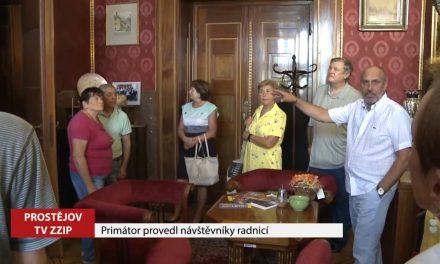 Primátor provedl návštěvníky radnicí