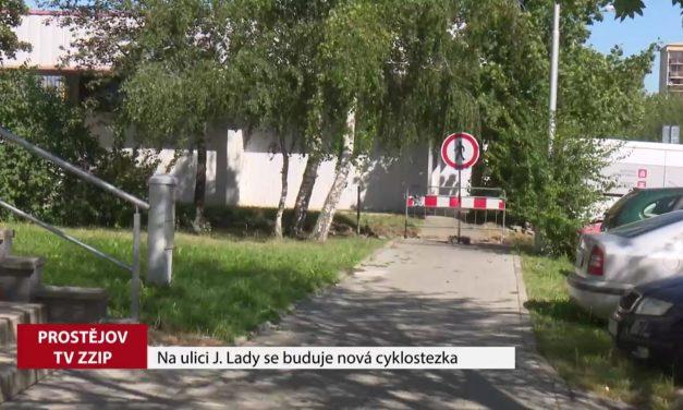 Na ulici Josefa Lady se buduje nová cyklostezka
