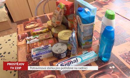 Potravinová sbírka pro potřebné na radnici