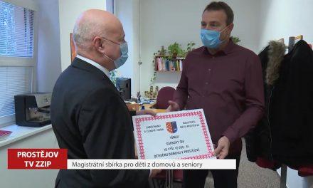 Zaměstnanci města a vedení radnice vybrali peníze pro děti a seniory z domovů