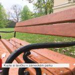 Kupte si lavičku v zámeckém parku