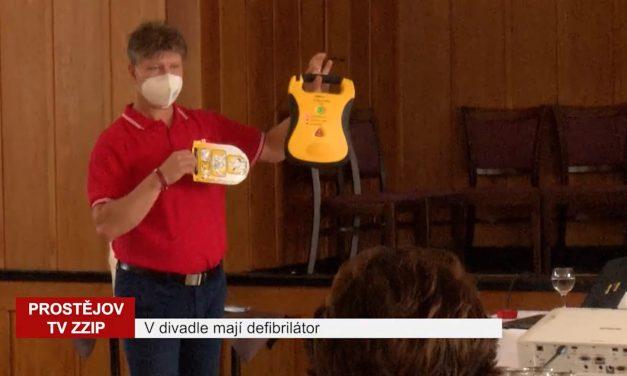 V divadle mají nový defibrilátor